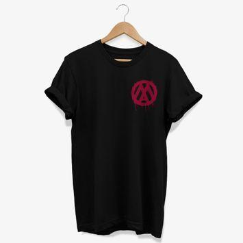 camiseta-mamonas-assassinas-logo-tinta-escorrida-preta-frente-e-verso-camiseta-mamonas-assassinas-logo-tinta-00602435521589-26060243552158